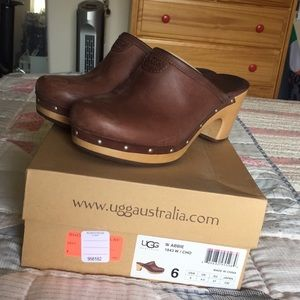 Ugg Chocolate Brown Clogs Size 6